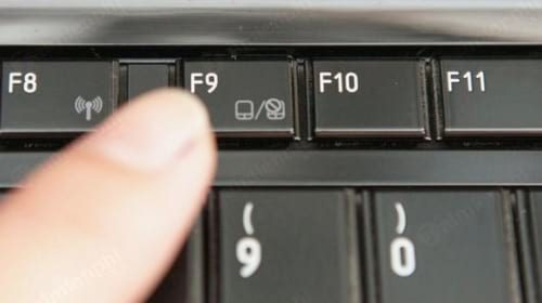 Kiểm tra lại On/Off Touchpad