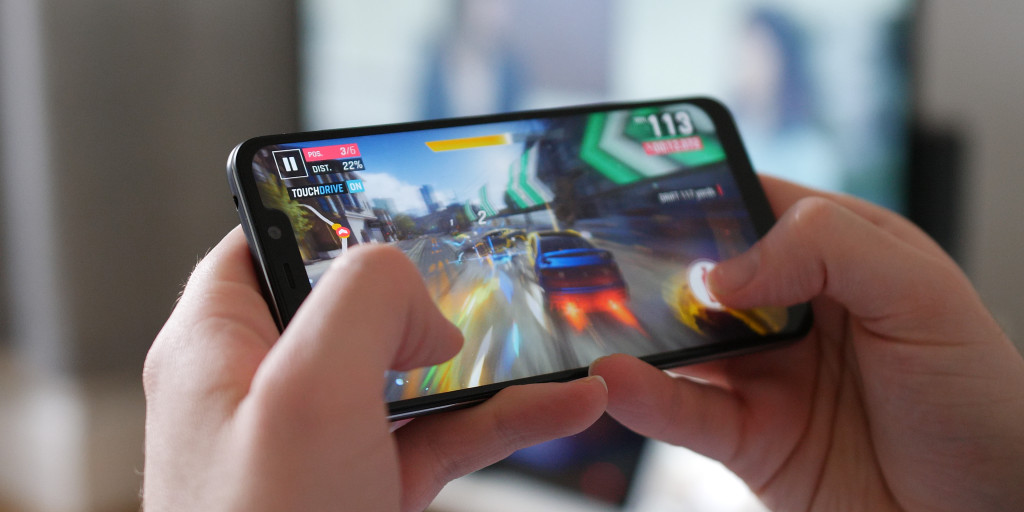 pocophone f1 performance gaming